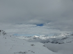 Vallon de l'Iseran, layers of clouds