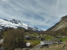Leaving Le Monal, heading towards the larch forest