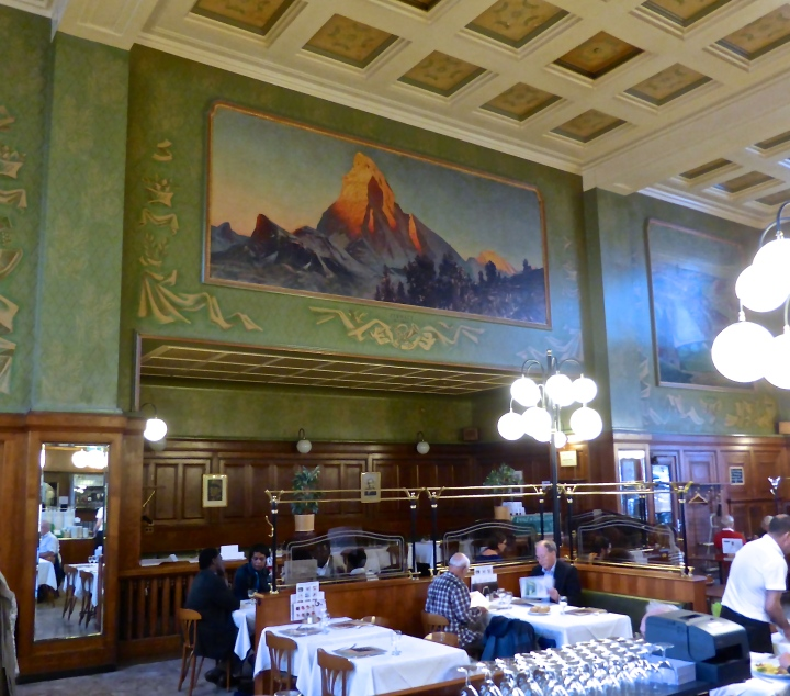 Buffet de la gare: a trip back to 1950s railway station restaurants