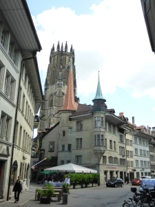 Fribourg, square between the cathedral and the town hall