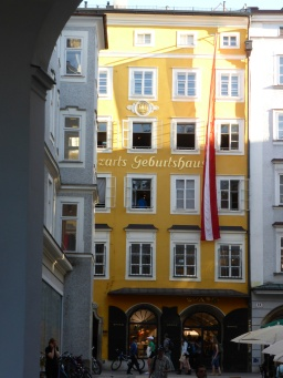 Mozart's birthplace, now a shop