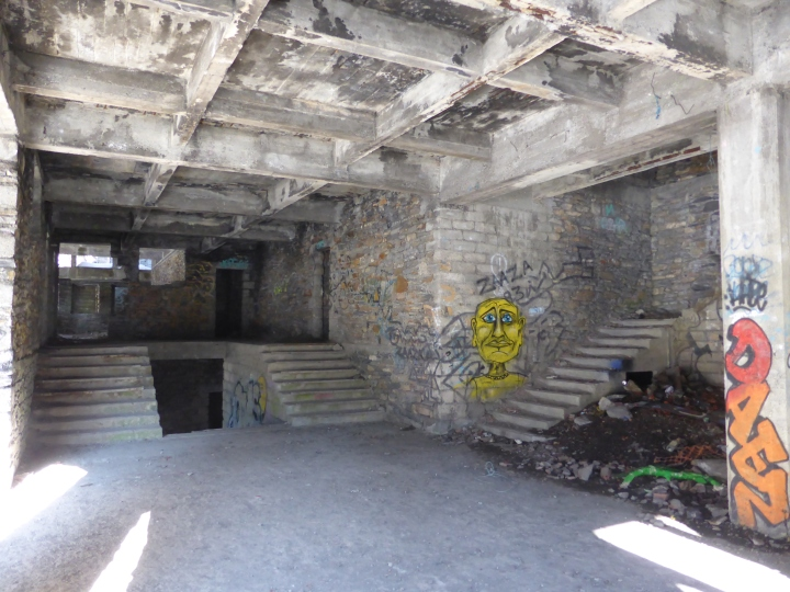 Bonneval-les-bains: inside the unfinished hotel