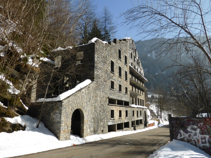 Bonneval-les-bains: the hotel that would never be