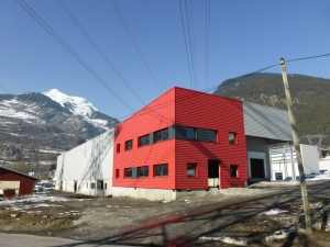 The new, abandoned water bottling plant, Séez