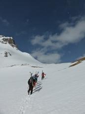 Hiking up to Col de la Sachette
