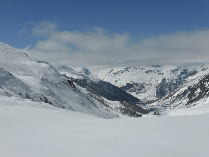 Val d'Isere at midday, from the Grand Torsai