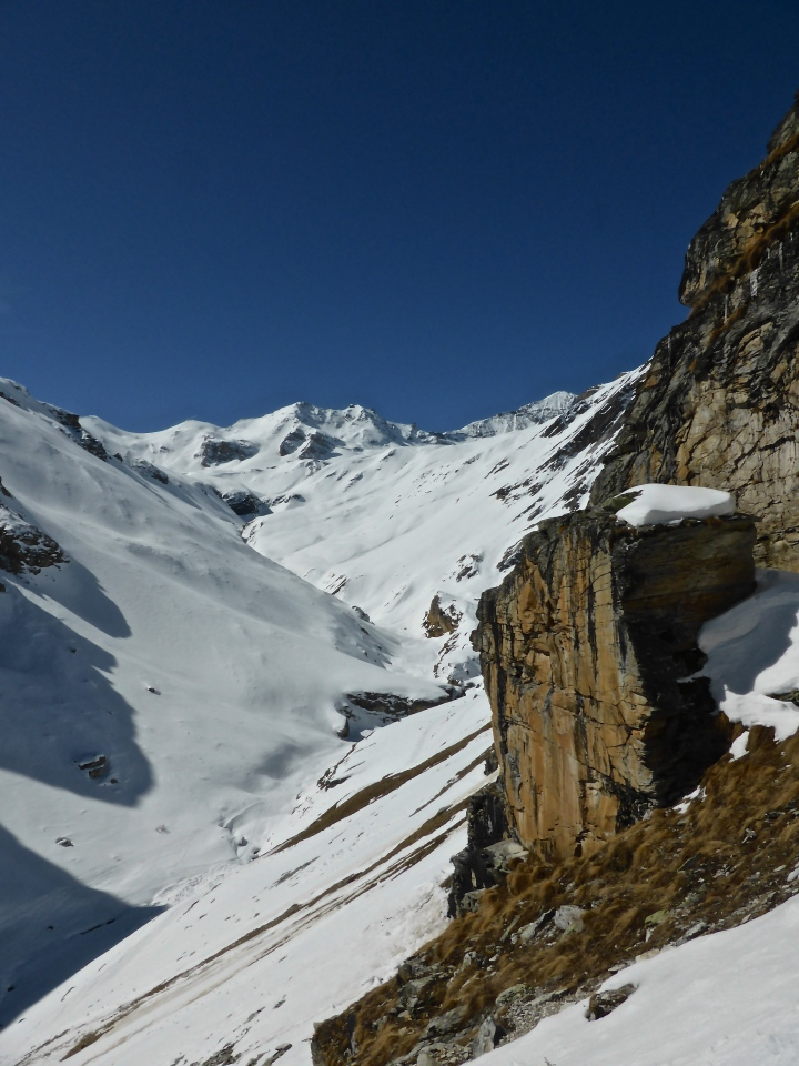 Coming out of couloir du Mont Blanc