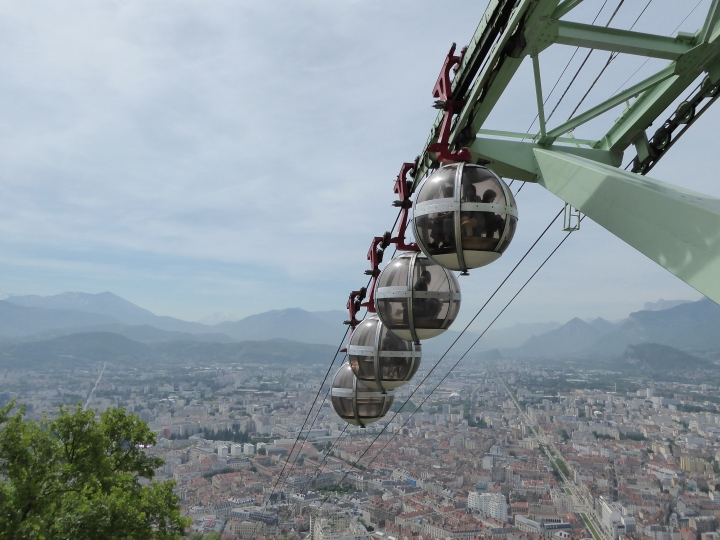 Bubble, bubble: little toil and not much trouble in the 1934 cable car