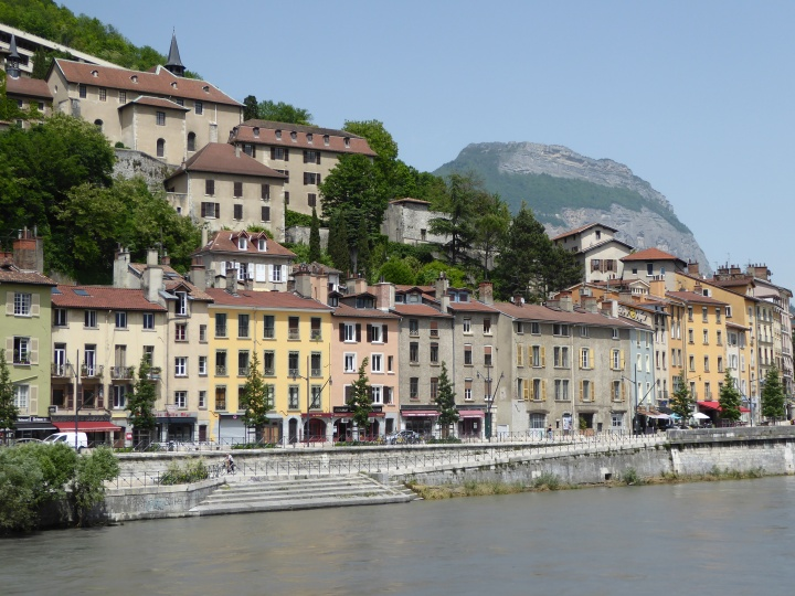 Old houses along the Isère, and the musée Dauphinois