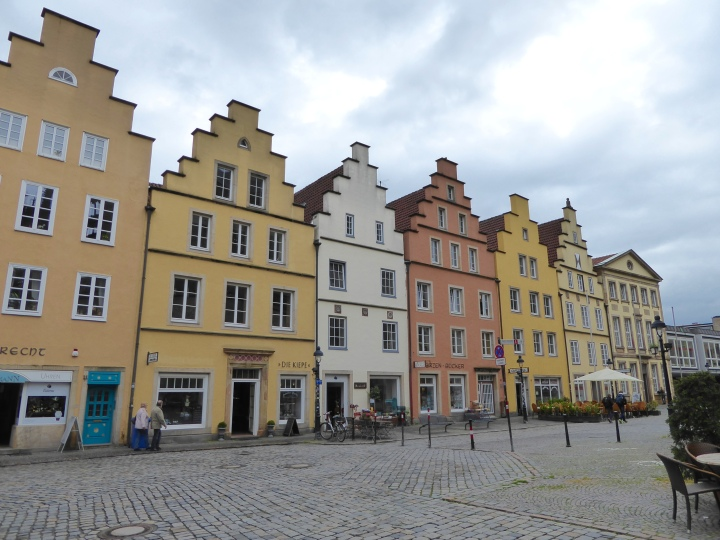 Osnabrück's market square: old Hansa-style houses rebuilt after the war