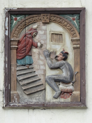 Osnabrück: devil argument on the Walhalla facade