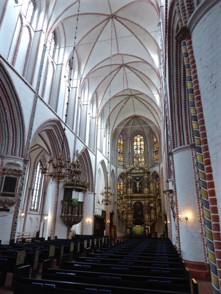 Buxtehude: the white-washed interiors of the Petrikirche
