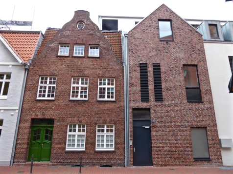 Buxtehude: Hansa houses, old and new