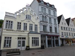 Flensburg: the 1788 stock exchange, now a ballet school