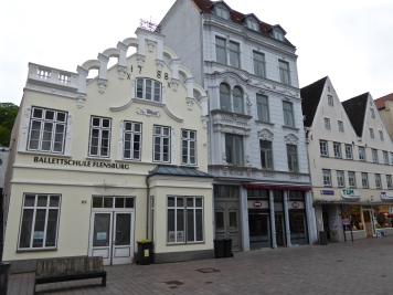 Flensburg: the 1788 stock exchange, now a ballet school
