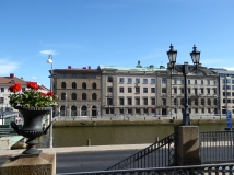 Göteborg: neo-classical buildings by the canal