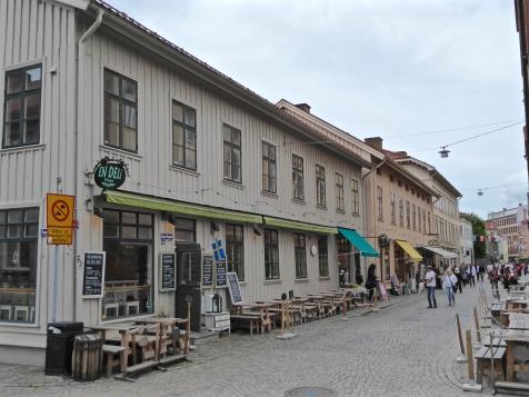 Haga's main street, Haga Nygatan: trendy boutiques and delis