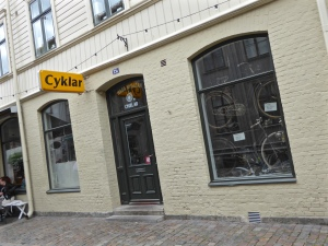 Göteborg: bicycle shop in trendy Haga