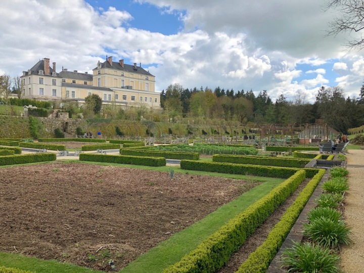 Potager Colbert: view across the length and width of the garden to the high eastern wall, with the chateau behind (Autumn 2019)